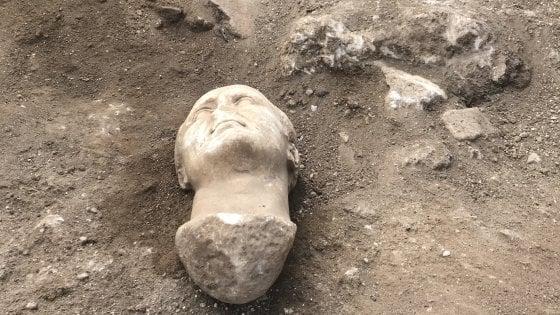 """Aquinum, ritrovate tre teste di età romana. """"E' il volto di Giulio Cesare"""""""