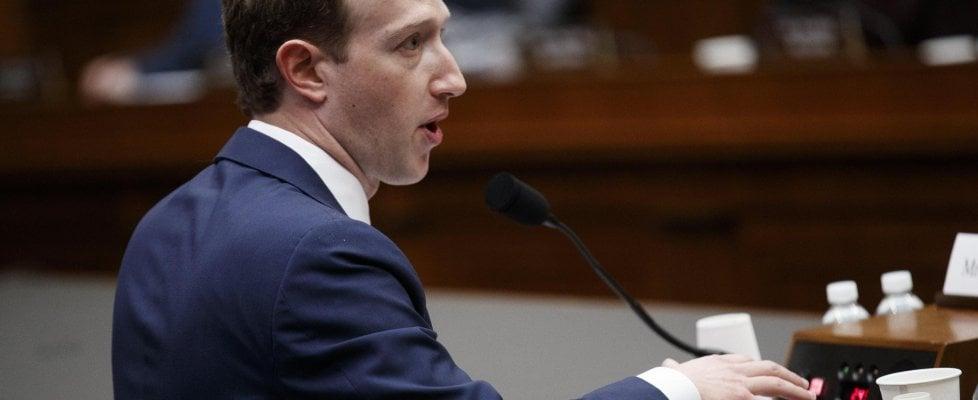 """Attacco a Facebook, il giorno dopo: """"Per precauzione cambiate subito la password"""""""