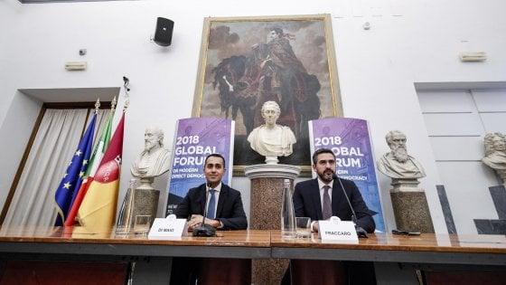 """Di Maio: """"In primavera la riforma costituzionale: 345 parlamentari in meno e referendum propositivo"""""""