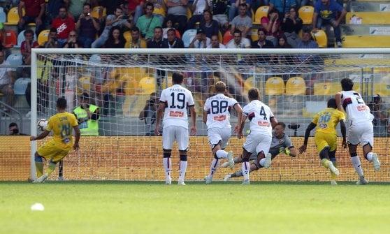 Frosinone-Genoa 1-2: 'bum bum' Piatek affossa i ciociari e fa volare il Grifone
