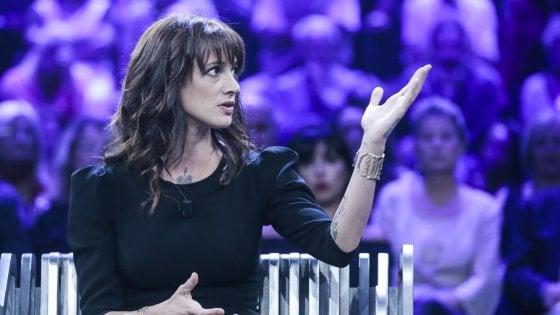 """Asia Argento, lacrime in tv: """"Mi hanno detto pedofila, uno stigma. Voglio tornare a X Factor, accuse false"""""""