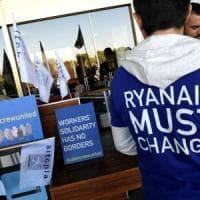 Ryanair, gli scioperi tagliano i profitti