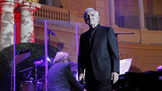 Musica in lutto: morto il cantante francese Charles Aznavour