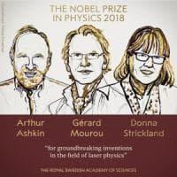 Il Nobel per la Fisica ad Ashkin, Mourou e Strickland. E' il terzo a una donna
