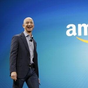 Amazon, il salario minimo negli Usa raddoppia a 15 dollari