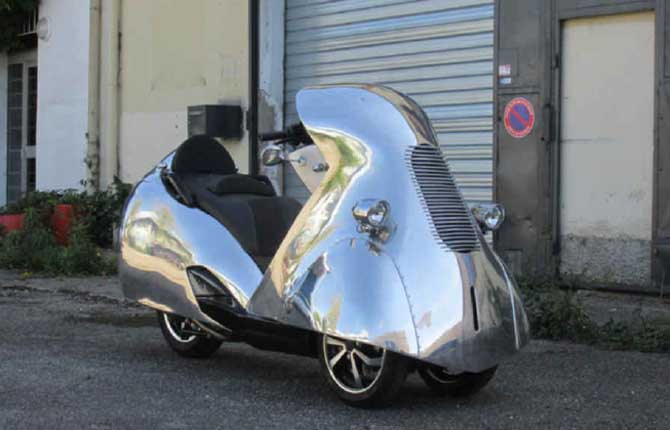 "Peugeot Motocycles, una sfilata d'epoca per il ""Mondial de l'Automobile"""