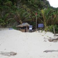 Thailandia, chiude la baia di The Beach.