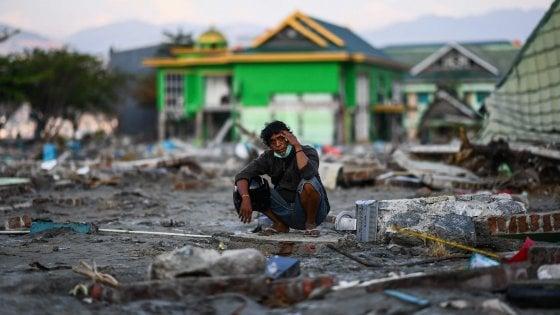 Indonesia, sale il numero delle vittime: almeno 1400