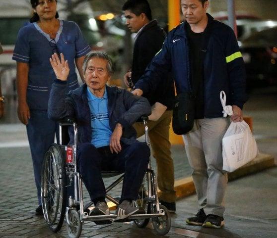 Perù, annullata la grazia: l'ex dittatore Fujimori torna in carcere