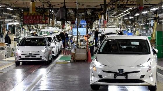 Toyota richiama oltre 2,4 milione di ibride. Ecco i modelli