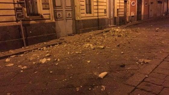 Quattro scosse di terremoto nella notte a Catania, la più forte magnitudo 4.6. L'allarme arriva via social