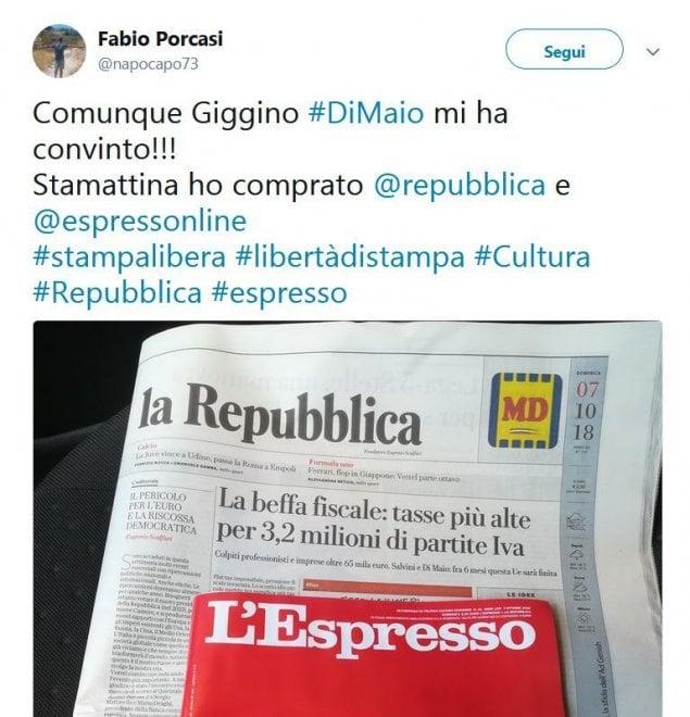 """Solidarietà dopo l'attacco di Di Maio: """"Oggi più che mai compro Repubblica e L'Espresso"""""""