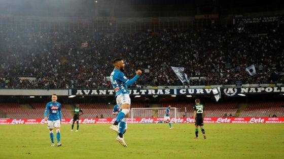 Napoli-Sassuolo 2-0, Ounas e Insigne tengono il passo della Juve