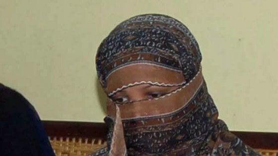 Pakistan, sentenza rinviata: Asia Bibi rimane in carcere