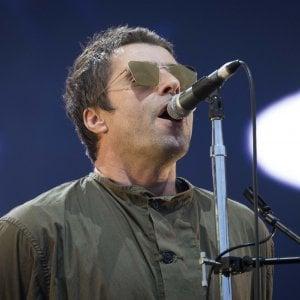 Liam Gallagher aggredisce la fidanzata, una telecamera lo incastra: la polizia indaga