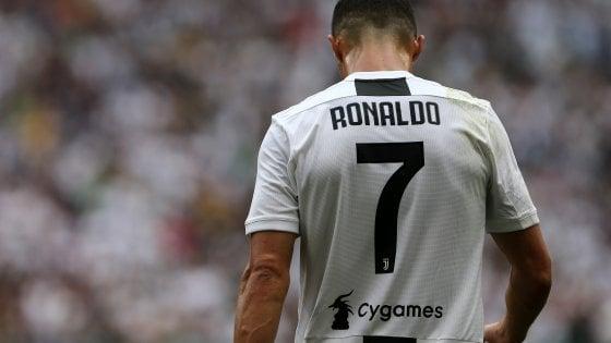 """Molestie, nuovi guai per Ronaldo. Il legale dell'accusatrice: """"Ci sono altre tre donne"""""""
