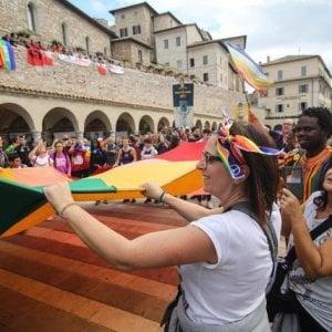 """La """"Perugia-Assisi"""", Il messaggio del Nobel 2017: """"La pace è responsabilità di tutti, tutto cambia quando la gente si mobilita"""""""