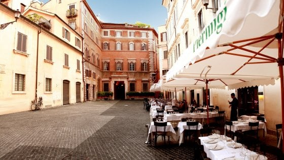 Operazione nostalgia: i ristoranti della Prima Repubblica (che vanno alla grande anche nella Seconda)
