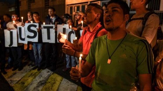 Venezuela, oppositore arrestato per l'attentato a Maduro muore nella sede dei Servizi segreti