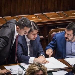 Da sinistra, il vicepresidente del Consiglio Luigi Di Maio, il presidente Giuseppe Conte e il vicepresidente Matteo Salvini