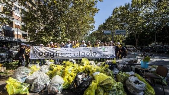 """#oggiraccolgoio, tutti in strada per pulire le città: """"Liberiamole da plastica e rifiuti"""""""