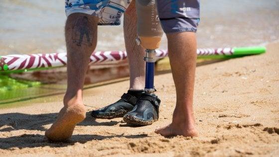 Corri sull'acqua con Action 4 Amputees: il windsurf per disabili è un'eccellenza italiana