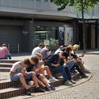 Ragazzi e internet, una guida per evitare di cadere nelle maglie della rete