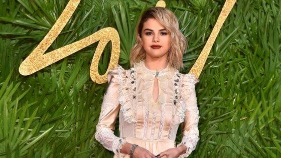 Selena Gomez, la sua salute è di nuovo fragile: ricoverata in una clinica psichiatrica