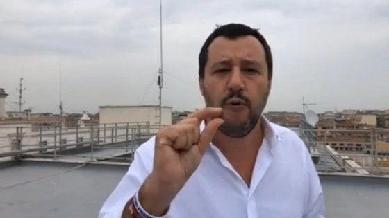 Salvini: Nel decreto sicurezza obbligo di chiusura alle 21 per i negozi etnici
