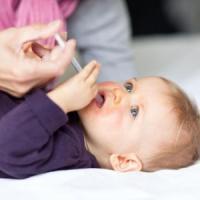 Antibiotici, la campagna dei pediatri che insegna ai genitori a non abusarne