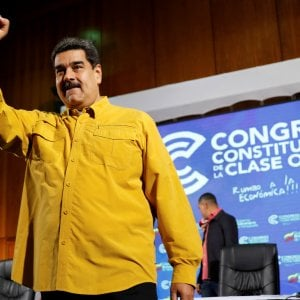 """Maduro accusa gli Usa: """"Hanno incaricato la Colombia di uccidermi"""""""