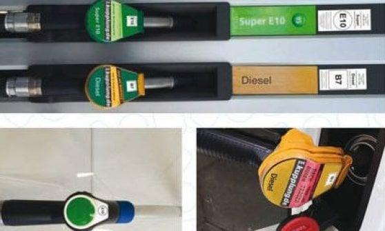 """Benzina, gasolio e gas, occhio ai bollini: auto e distributori """"parlano"""" così"""