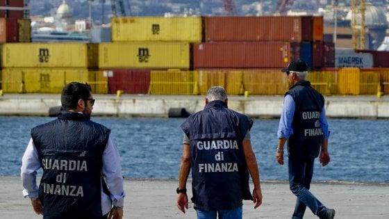 Sommerso, droga, tabacco e prostituzione: la zona grigia dell'economia vale 210 miliardi