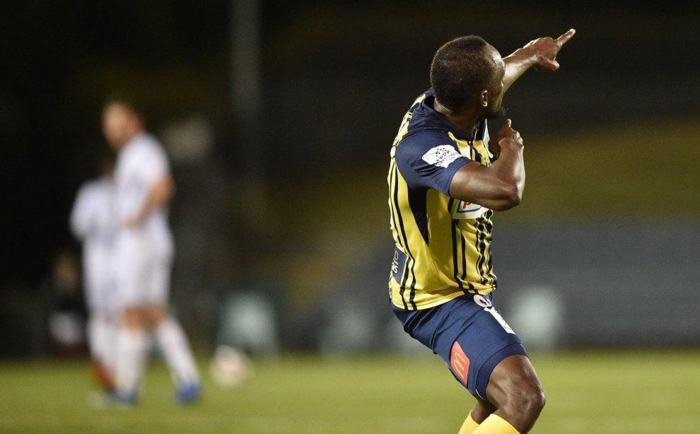 Bolt, primi gol da professionista: doppietta in amichevole