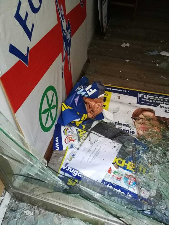 Trento, bomba carta nella sede della Lega dove oggi ha fatto tappa Salvini