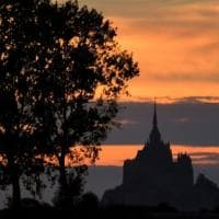 Mont-Saint-Michel: stop ai pediluvi dei pellegrini.