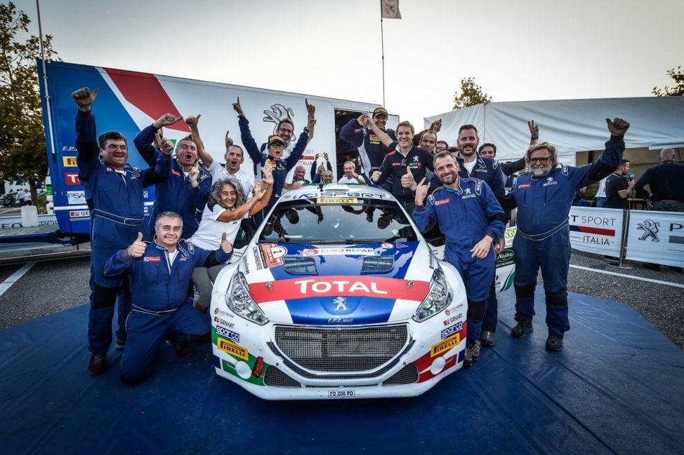 Paolo Andreucci e Anna Andreussi e la loro Peugeot 208 R5 campioni Italiani Rally 2018