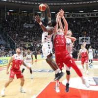 Basket, serie A: Milano passa a Bologna, anche Venezia e Cremona a punteggio pieno