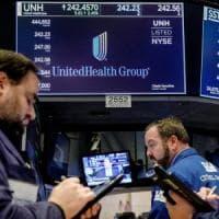 Le Borse Ue chiudono in cauto rialzo, lo spread si mantiene sopra quota 300