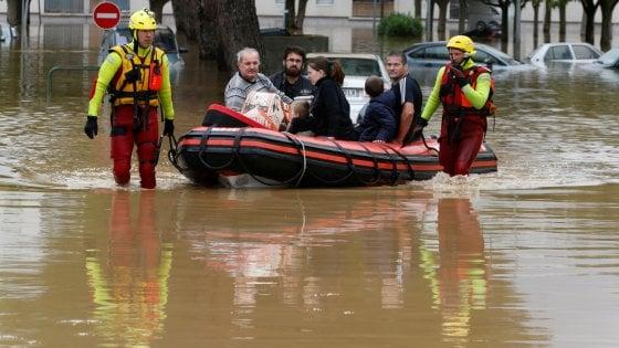Alluvione nel sud della Francia: 10 morti, livelli di piena dell'Aude mai così alti dal 1891