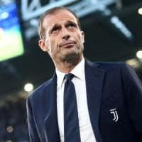 Juventus, Allegri riabbraccia gli azzurri. E Douglas Costa è pronto al