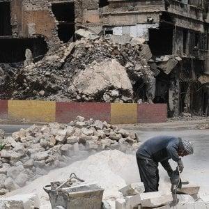 """Siria, a Raqqa un anno dopo: Amnesty, """"Il Pentagono nega responsabilità per le perdite civili"""""""