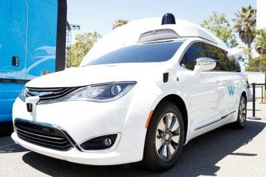 Auto a guida autonoma, basta anarchia: nasce l'Institute for Automated Mobility