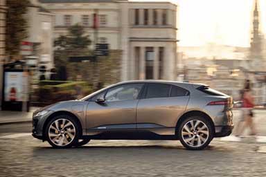 "Al via la nuova campagna Jaguar ""A breed apart. Nati per distinguersi"""