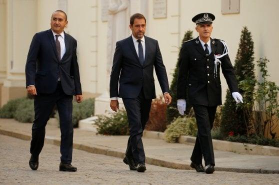 Salvini contro la Francia:
