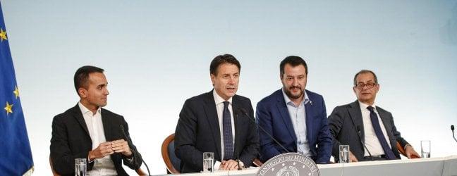 """Juncker: """"Italia, deviazione inaccettabile""""Il Progetto di Bilancio inviato all'Europa"""