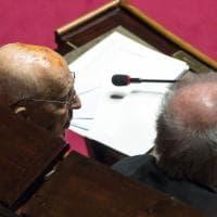 Senato, il ritorno in aula di Napolitano dopo l'intervento. Casellati: