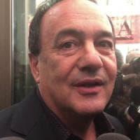 Mimmo Lucano, revocati i domiciliari al sindaco: divieto di dimora a Riace