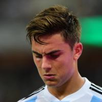 Juventus, Allegri in ansia per Dybala: problema al ginocchio in nazionale