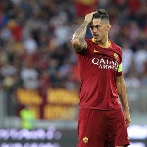 """Roma, per Perotti stop di tre settimane. Karsdorp fermo per 10 giorni. Pellegrini: """"Felice del nuovo ruolo"""""""